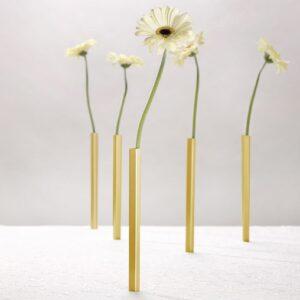 Magnetiske vaser i guld