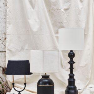 Miljøbillede af lampe i sort