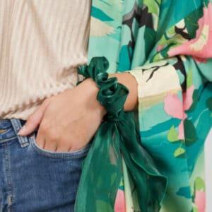 Miljøbillede scrunchie med tørklæde grøn
