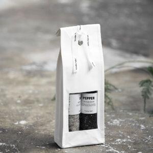 Miljøbillede af salt og peber i gavepose