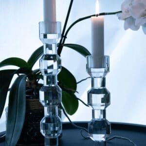 Miljøbillede lysestager Iris 18 og 25 cm.