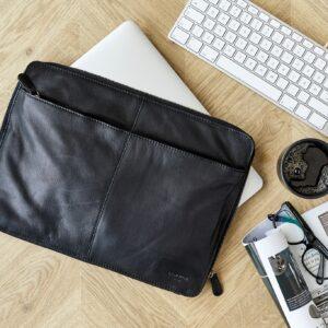 Miljøbillede sort laptop taske