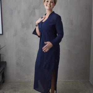 miljøbillede marineblå kjole